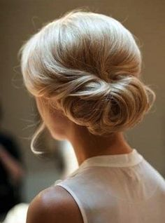 30 chignon Hairstyles wedding for Spring.The perfect hairstyle for brides or bridesmaids! sophisticated chignon,Classic Chignon,sleek chignon not messy,Messy Side Chignon Hairstyle Formal Hairstyles, Up Hairstyles, Pretty Hairstyles, Bridal Hairstyles, Perfect Hairstyle, Bridal Chignon, Elegant Hairstyles, Hairstyle Ideas, Homecoming Hairstyles