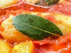 Duszona papryka w bawolich pomidorach