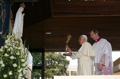 Benedict XVI presenting Papal Golden Rose to Our Lady of Fatima