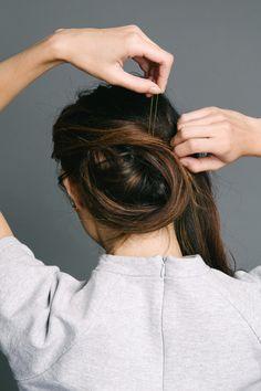 Hairdo For Long Hair, Bun Hairstyles For Long Hair, Work Hairstyles, Hair Dos, Dark Ombre Hair, Dark Hair, Messy Chignon, Hair Fair, Super Long Hair