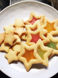 簡単なのにキラキラかわいい♡ 型抜きクッキーにひと手間加えるだけ!?ホワイトデーなどのプレゼント、パーティーにも〜!