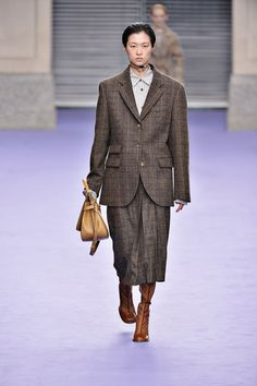 Mulberry | Ready-to-Wear - Autumn 2017 | Look 9 Historic Sports Luxe/Oversize/Neutrals