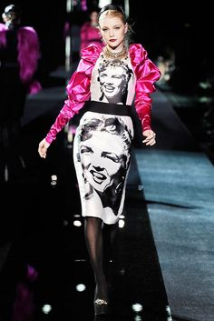 Dolce & Gabbana Fall 2009 Ready-to-Wear Fashion Show - Jessica Stam