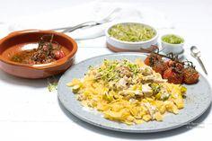 """""""Fantastisch subtiele smaak, romig en sappig"""", dat was me me het eerst inviel bij het eten van deze koolhydraatarme koolraap tagliatelle met kip. Go For It, Fried Rice, Risotto, Fries, Paleo, Ethnic Recipes, Anna Karina, Food, Essen"""