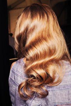12 passos para hidratar os cabelos em casa corretamente