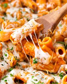 Best Quick and Easy Pasta Recipes Damn Delicious: One Pot Chicken Parmesan Pasta. Best Quick And Easy Pasta Recipes Damn Delicious. Chicken Parmesan Pasta, Chicken Pasta Recipes, Easy Pasta Recipes, Easy Meals, Cooking Recipes, Pasta Ideas, Chicken Spaghetti, Skillet Chicken, One Pot Chicken