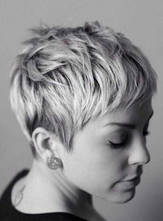 Short pixie haircuts seem both extraordinary and beautiful. Pixie haircut is too… Short pixie haircuts seem both extraordinary and beautiful. Pixie haircut is too short in length and also different from all other short hairstyles. Short Pixie Haircuts, Short Hair Cuts, Short Hair Styles, Short Bangs, Short Cropped Hairstyles, Pixie Bangs, Choppy Haircuts, Hairstyle Short, Layered Haircuts