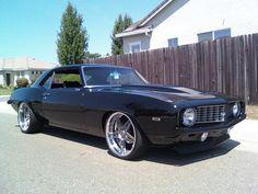 69 camaro rushforth livewire wheels smoked titanum center with polished lips. split 5 star