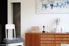 taide,lapuan kankurit,keltainen keinutuoli,50-luvun lipasto,olohuone