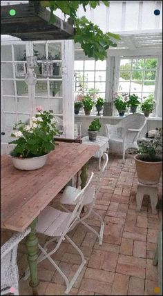 Pergola Attached To House Best Greenhouse, Backyard Greenhouse, Greenhouse Ideas, Pallet Greenhouse, Homemade Greenhouse, Outdoor Rooms, Outdoor Living, Outdoor Furniture Sets, Outdoor Decor