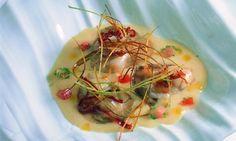 Juan Mari Arzak nos propone una sopa de garbanzos gourmet: receta de sopa de garbanzos con ostras, tocineta ibérica y puerro frito.
