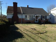 SOLD!!  SOLD TO INVESTOR.  1162 Sq Ft home on large corner lot. Wood floors detached garage and fenced yard. 2 Bedrooms and 1 bath with large open living area.  Just right for investor or do-it-yourselfer.