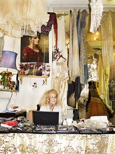 Jane Bourvis♥.•:*´¨`*:•♥in her gorgeous London store. Gypsy Moon, Busy At Work, Selling Art, Boutique Shop, Beautiful Architecture, Vintage Fashion, Vintage Style, Gypsy Style, Make And Sell