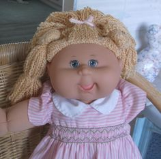 "LAUGHING PLAYALONG CABBAGE PATCH GIRL DOLL 19"" IN PINK SMOCKED DRESS + COPY CERT 