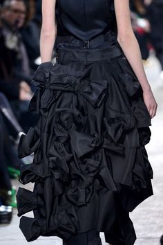 Comme des Garçons Fall 2013 RTW - Details - Fashion Week - Runway, Fashion Shows and Collections - Vogue