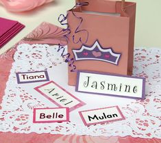 Baby Shower GAME: Princess Name Game. In this fun baby shower game, each guest pairs up with a Disney princess in a bid to come up with the perfect name for the new baby. Fun Baby Shower Games, Baby Shower Table, Baby Shower Parties, Baby Shower Themes, Baby Boy Shower, Baby Shower Gifts, Shower Ideas, Baby Shower Princess, Baby Princess