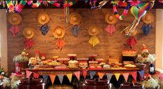 Decoração Festa Junina 2016 12 Tree Branches, Backdrops, Art Pieces, Table Settings, Baby Shower, Party, How To Make, Chico Bento, Jungle Safari