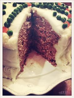 Savory Meatloaf Cake with Mashed Potato Frosting - Strange, but I want to try it! Dessert Dips, Dessert Recipes, Desserts, Meat Cake, One Dish Dinners, Good Food, Yummy Food, Potato Cakes, Creative Food