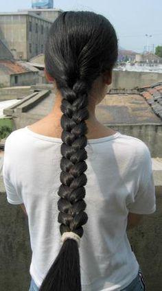Neat braid by Chotlo, via Flickr
