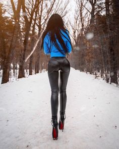 Thong Leather High Waist Zipper Leggings👖… by Wet Look Leggings, Shiny Leggings, Leather Dresses, Leather Pants, Leather Mini Skirts, Elegantes Outfit Frau, Mode Latex, Biker Girl, Sexy Jeans