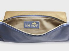 a0e4bcc5d9fb8 Foldover-Tasche Finja mit Umhängekette – Gold