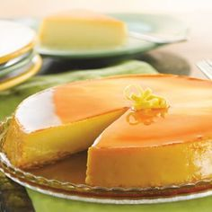 Vanilla Flan, Caramel Flan, Chocolate and more. Our collection of Flan Recipes featuring your favorite Nestlé brands are easy and delicious! Flan Dessert, Flan Cake, Custard Desserts, Just Desserts, Delicious Desserts, Yummy Food, Flan Cheesecake, Coconut Flan, Lemon Coconut
