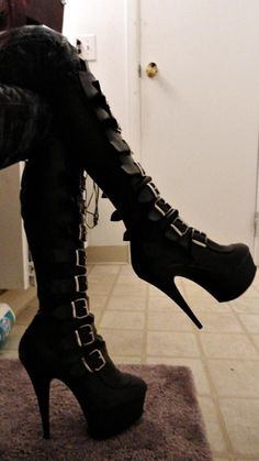 These boots are so goth. I love!