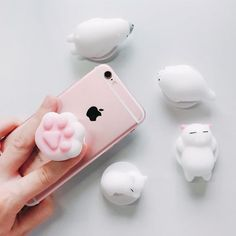 Phone Accessories Squishy Cat Phone Holder Stand – ooMAXI It all started with the hugely famous Popsocket and morphed over recent years to the forever adapting Finger Ring Holder. Cute or Sophisticated, whatever your bag! there is tons of these cool Cute Phone Cases, Iphone Phone Cases, Phone Covers, Phone Accesories, Cell Phone Accessories, Batterie Iphone, Cute Popsockets, Popsockets Phones, Mobile Phones Online
