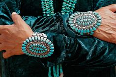 Pieces of sky.' That's how turquoise was called by some Native American tribes. Wearing pieces of sky in a turquoise necklace is a provocative and attractive idea. Bracelet Turquoise, Turquoise Jewelry, Silver Jewelry, Glass Jewelry, Silver Ring, Dali, Lapis Lazuli, Aqua, Do It Yourself Fashion