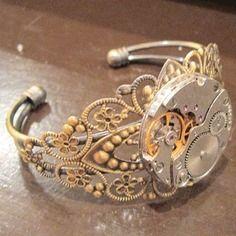 Bracelet steampunk bronze manchette mécanisme engrenage dentelle montre