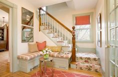 Traditional Entry Bench Design, Pictures, Remodel, Decor and Ideas - page 2 Foyer Design, House Design, Tiny Apartments, Built In Bench, Bench Seat, Traditional Interior, Traditional Design, Trendy Home, Design Case