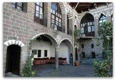 Exploring Islamic Interior Design