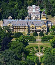 Szabadkígyós, Wenckheim-kastély  ( Hungary ) Royal Residence, Climbing Vines, Fortification, Kirchen, Budapest, Wild Flowers, Palace, Beautiful Places, Vacation