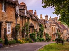 Cotswolds is known as one of the most picturesque, visited, and beautiful parts of England best seen during summer. These are the most gorgeous towns!
