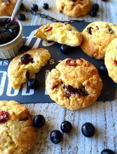 サク×しっとりのWの食感がクセになる「スコッキー」。スコーン×クッキーの良いとこどりをしたハイブリットスイーツですが、ホットケーキミックスを使えば、簡単&ささっとできちゃいます。