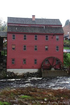 The Mill at Franconia Notch State Park, Littleton New Hampshire Aldea Global, Old Grist Mill, Granite State, New England States, Water Powers, Water Mill, White Mountains, Abandoned Castles, Le Moulin