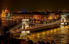Ultimate list of best things to do in Budapest, Hungary. Find here all information you need to plan your trip to one of Europe's most beautiful cities Budapest. Cheap European Cities, Cities In Europe, European Travel, European Countries, Week End Pas Cher, Ponte Pensil, Saint Sylvestre, Budapest Things To Do In, Buda Castle
