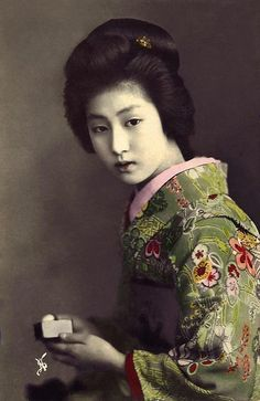 The Geisha HAWARYU -- A Meiji-era Beauty from OLD JAPAN (10) by Okinawa Soba, via Flickr