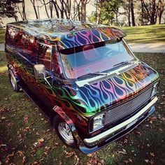 Flamed-out custom van. To be featured in upcoming Custom Vanner Magazine Issue Customised Vans, Custom Vans, Old School Vans, Vanz, Panel Truck, Cool Vans, Custom Paint Jobs, Vintage Vans, Us Cars