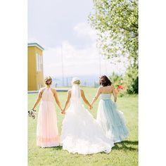 BRIDESMAIDS 💕🌸💛 #forlover #brudepiker #bridesmaids #bestevenner #pastel #jeløyradio #bryllup #weddinginspiration #momentstudio