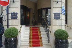 Pierre Gagnaire 6 Rue Balzac, Paris 7e Paris, 75008/France +33158361250  averige price 350,=pounds