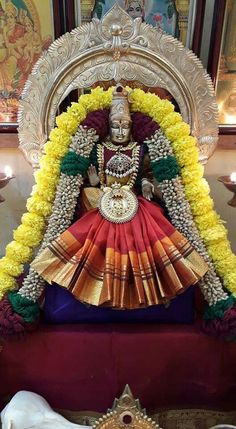 Durga Images, Lakshmi Images, Indian Goddess, Goddess Lakshmi, Diy Diwali Decorations, Festival Decorations, Flower Garland Wedding, Baby Ganesha, Ganesh Chaturthi Images