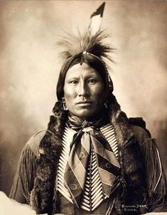 1899 photograph by Adolph Muhr of Running Deer, Kiowa, at Omaha, Nebraska, His braids are richly wrapped in otter fur while wearing a silk scarf and hairpipe breastplate. Native American Actors, Native American Warrior, Native American Pictures, Native American Beauty, Native American History, American Indians, Arte Tribal, Rocky Mountains, Montana