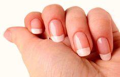 En este artículo aprenderás más sobre como cuidar tus uñas para que siempre estén hermosas. En el caso de las uñas, existen algunos hábitos y actividades que pueden dañarlas y evitar que crezcan sanas y fuertes. Algunas de las razones por las que tal vez tus uñas no crecen como quisieras son: