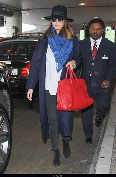 awesome Jessica Alba LAX Airport   Style