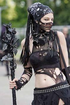 Hot Fresh Pics: The Cyber Goth