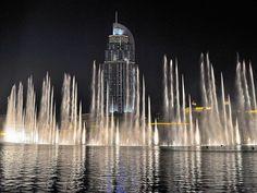 Самый роскошный танцующий фонтан в Дубае