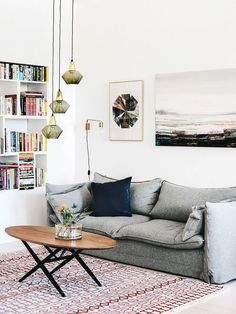 I'd put a more contemporary coffee table here.pink and blue living room Chic Living Room, Living Room Kitchen, Home And Living, Living Room Decor, Dining Room, Decoration Inspiration, Interior Inspiration, Room Inspiration, Decor Ideas