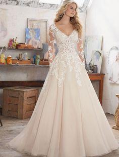 Rochie de mireasa cu maneci lungi si insertii din dantela si cristale. Culori disponibile - White,  Ivory,  Ivory/Caramel