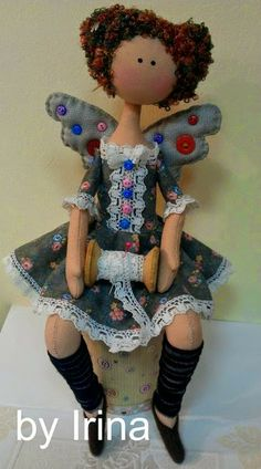 Mimin Dolls.....(SEW cute!! i want an angel just like her....sittting on my sewing machine!)...